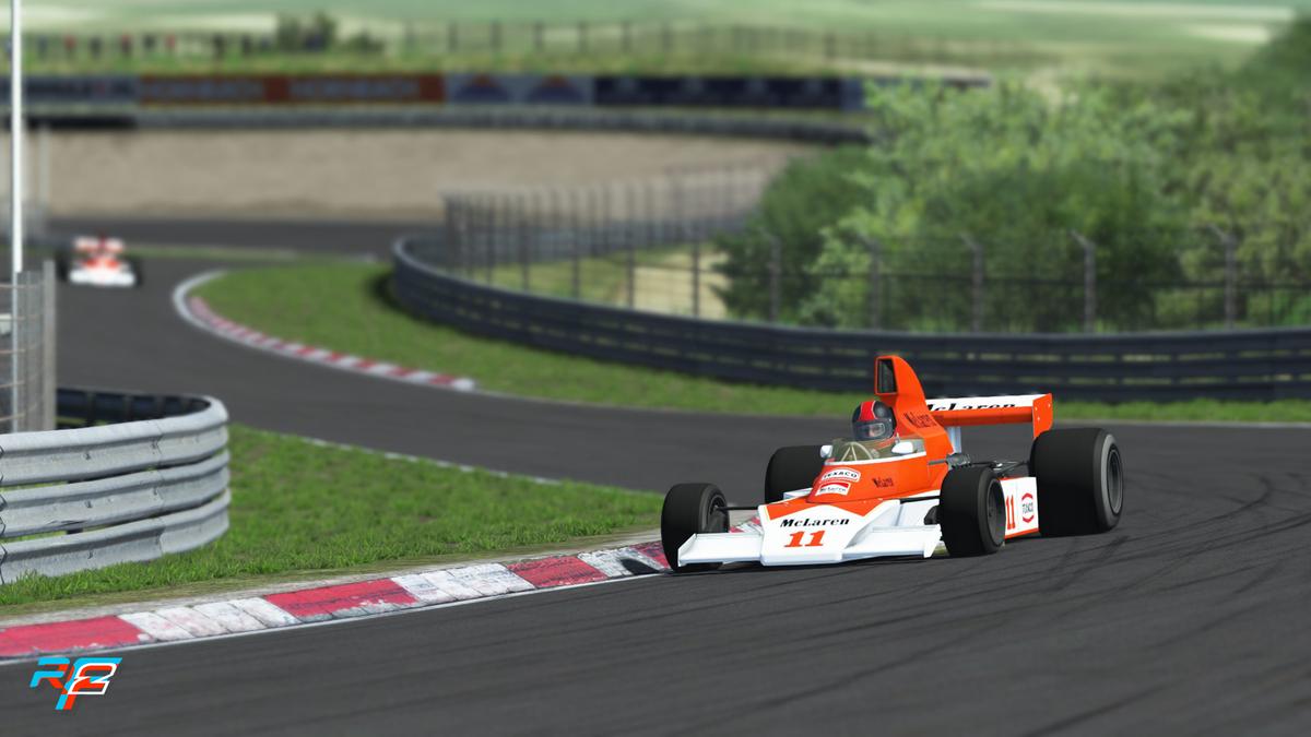 rF2 - McLaren M23